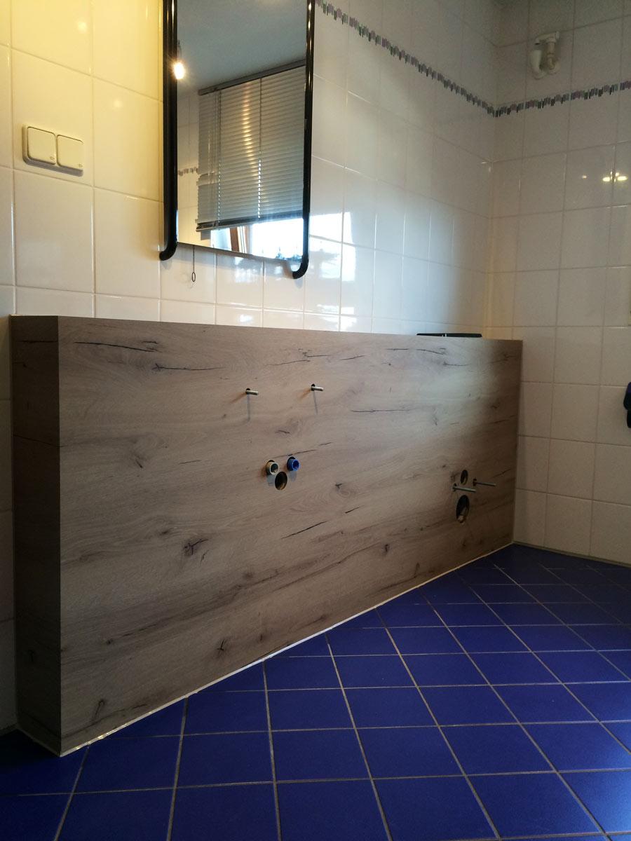 hildesheim k chenm bel badezimmerm bel fugenloses badezimmer bad holzoptik holzdekor. Black Bedroom Furniture Sets. Home Design Ideas